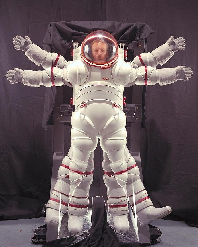 חליפת חלל שעוצבה עבור אסטרונאוטים שיגיעו בעתיד למאדים
