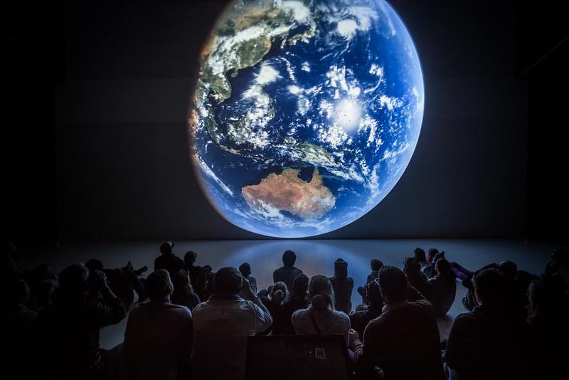 בואו לכנס החלל מבלי לצאת מהבית. קרדיט: Ars Electronica / Robert Bauernhansl via Flickr