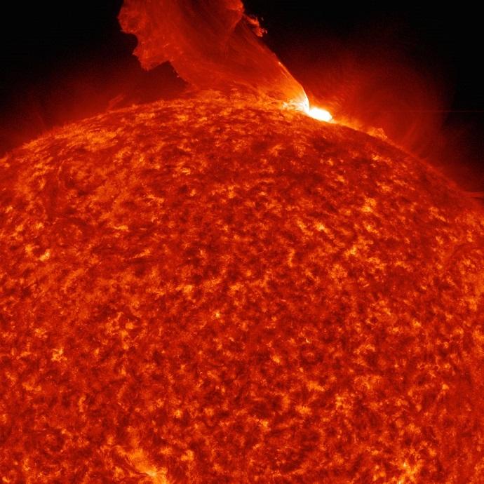 התפרצות סולארית על השמש