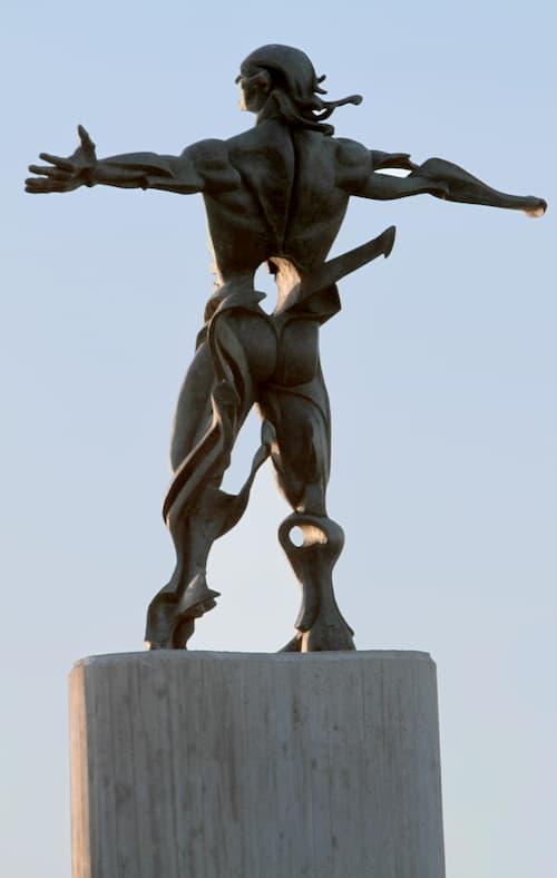 רוחות ששוברות את מהירות הקול. פסל הרוחות שבסוּאנְסֶס, ספרד. קרדיט: pxfuel