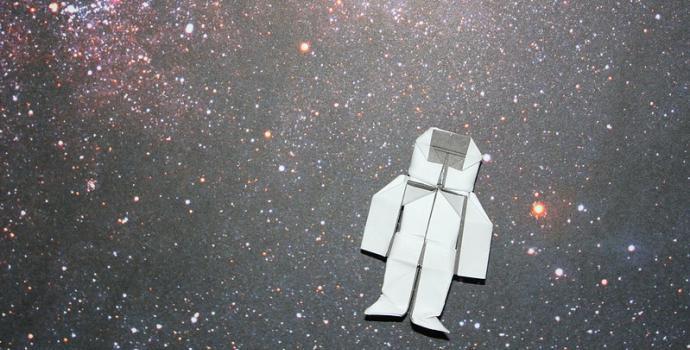 אסטרונאוט אוריגמי