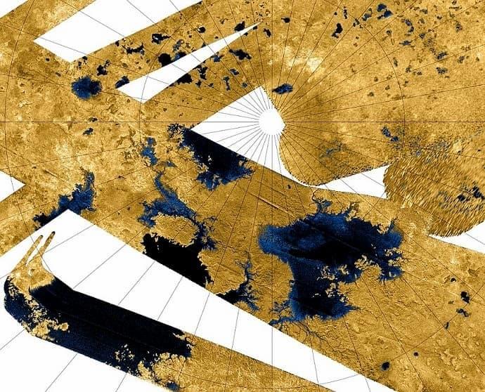 תמונות רדאר של כמה מאגמי טיטאן, כפי שצולמו על ידי הגשושית קאסיני ב-2007. קרדיט: NASA / JPL-Caltech / USGS