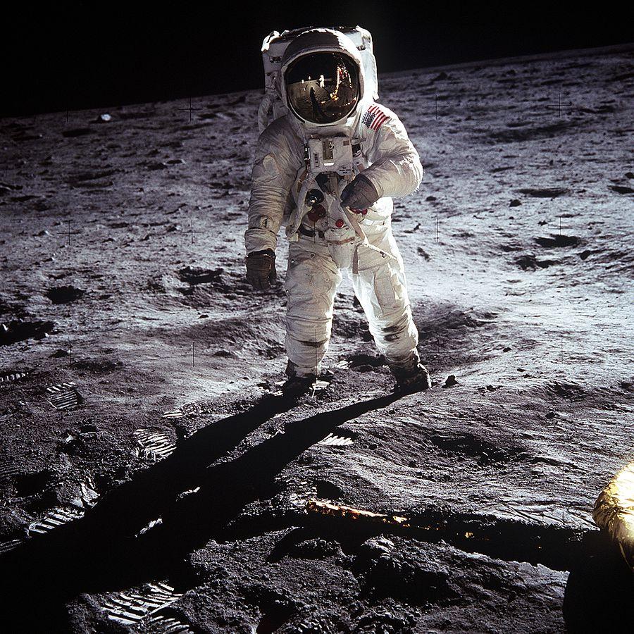 התמונה האיקונית שצילם ניל ארמסטרונג את באז אלדרין במשימה הראשונה לירח, אפולו 11 | NASA