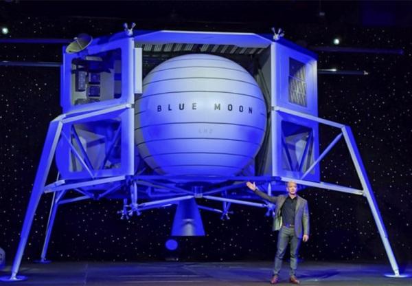 """ג'ף בזוס חושף את רכב הנחיתה הירחי בלו מון ב-2019, שהוגש למכרז של נאס""""א – ולא זכה. קרדיט: בלו אוריג'ן"""