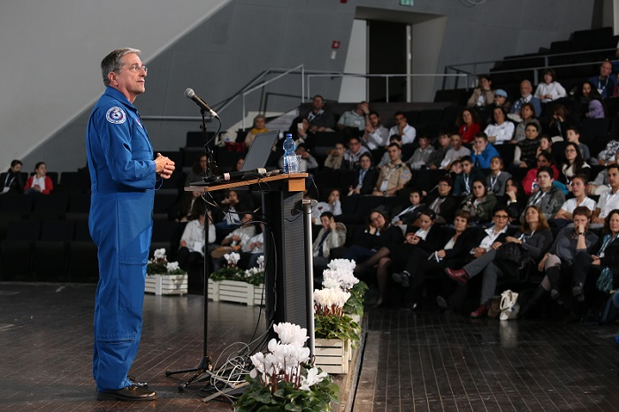 הרצאת אסטרונאוט בכנס רמון לחינוך וחלל