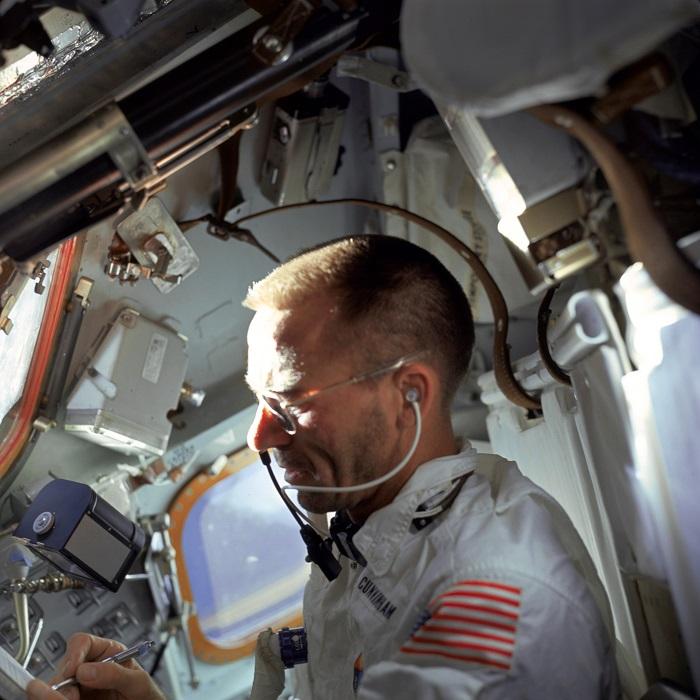 וולטר קאנינגהאם מצוות אפולו 7, כותב בעט החלל | צילום: NASA