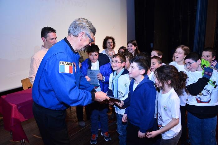 האסטרונאוט הצרפתי ז'אן ז'אק פאבייר מסוכנות החלל הצרפתית CNES