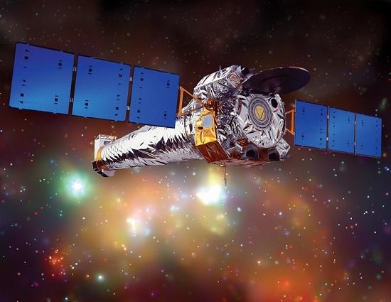 """טלסקופ החלל צ'נדרה של נאס""""א, ששוגר ב-1999, הוא טלסקופ הרנטגן הרגיש ביותר שאי פעם נבנה. הדמיה: NASA/CXC/NGST."""