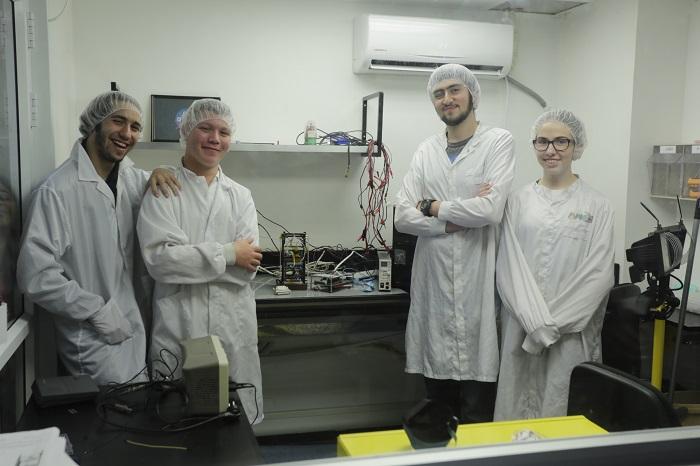 צוות החדר הנקי, תלמידי מרכז המדעים הרצליה