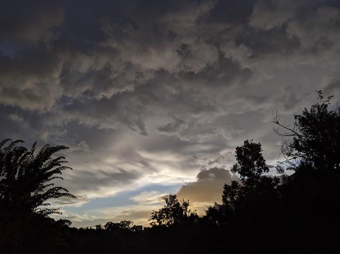 ענני סערה מעל מרכז הארץ היום