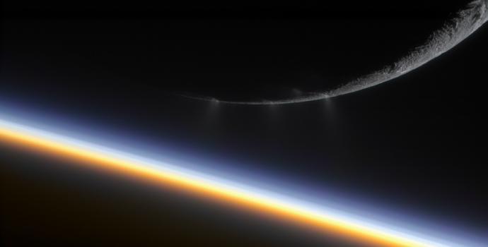 הירח אנקלדוס, על רקע שבתאי. מתחת לפני השטח הקפואים יש יותר מים נוזלים מבכדור הארץ כולו. צילום/עיבוד: NASA; Gordan Ugarkovic