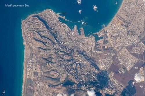 מפרץ חיפה ביום