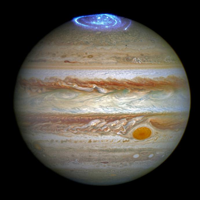 האורורה בצדק, כפי שצולמה על ידי טלסקופ החלל האבל. קרדיט: NASA/ESA