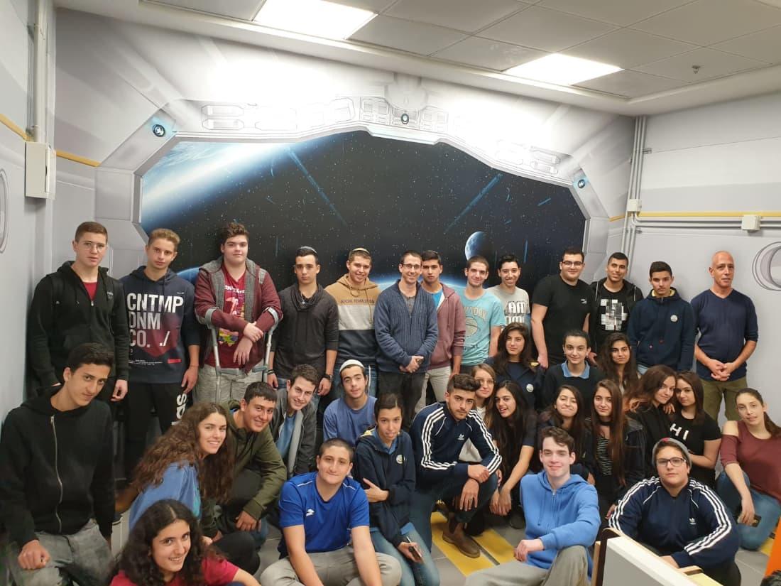 """תלמידי תוכנית """"מכמ אש"""" במעבדת מחקר ופיתוח לנוער במכללה האקדמית להנדסה בראודה   באדיבות המכללה האקדמית להנדסה אורט בראודה."""