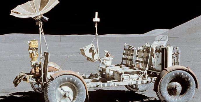 סעו, המפתחות בפנים. אחד מרכבי הנדידה הירחיים שהושארו על אדמת הירח. קרדיט: NASA
