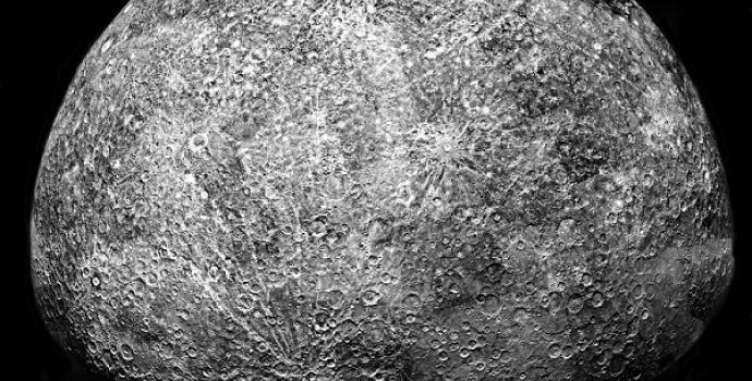 לא, זה לא הירח, אלא פני השטח של כוכב חמה, כפי שצולמו מהחללית מסנג'ר | NASA