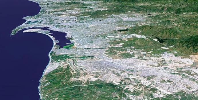 סיור לווייני בעקבות הצעת טראמפ לבנות חומה לאורך הגבול עם מקסיקו