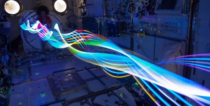 יופי צרוף בצילום בחשיפה ארוכה בתחנת החלל הבינלאומית