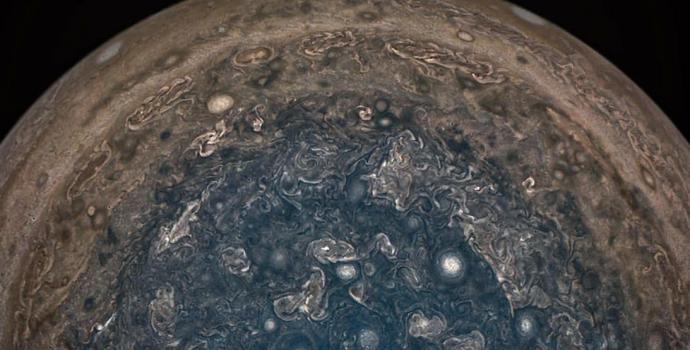 צפו: טיים-לאפס מרהיב של כוכב הלכת צדק
