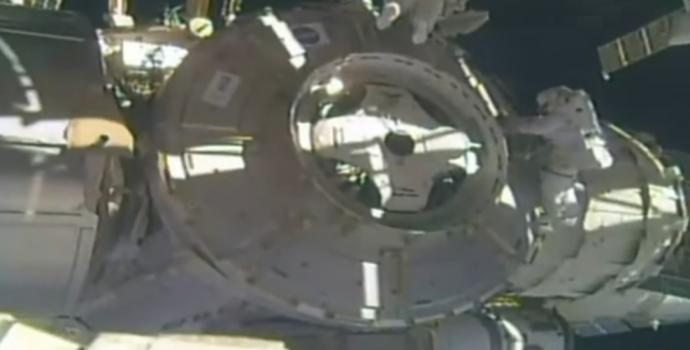מגן פסולת בתחנת החלל הבינלאומית הפך בטעות לפסולת בעצמו