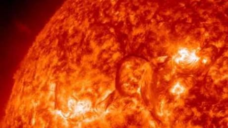 Solar flare - NASA images of a filament eruption near sunspots 1718 & 1719 (Apr 8, 2013) - Video Vax