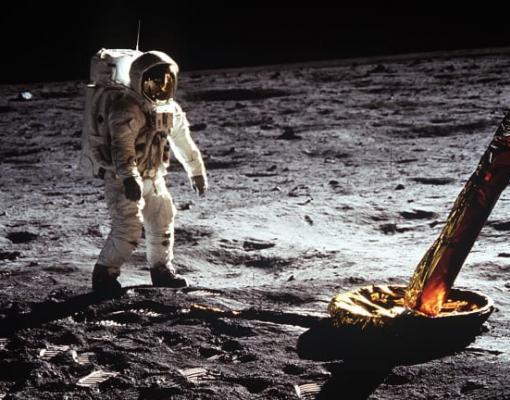 באז אולדרין על הירח