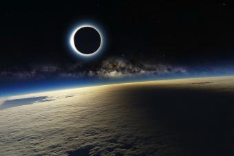 ליקוי חמה כפי שנראה מתחנת החלל הבינלאומית | NASA
