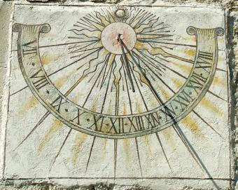 שעון שמש עתיק בסלובניה | צילום: Ines Zgonc
