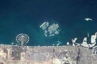 דובאי והאיים המלאכותיים ממבט הלוויין | NASA