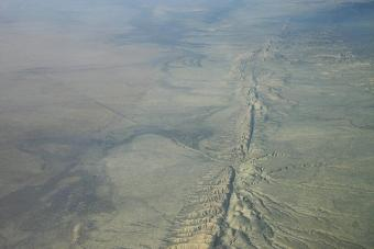 תצלום אווירי של העתק סן אנדראס (San Andreas Fault) | צילום: Ikluft