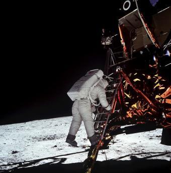סקרנות אינסופית: מה שלא ידעתם על המסע לירח