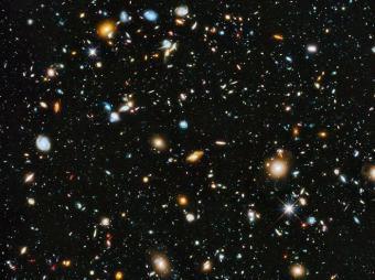 Hubble Ultra Deep Field: כל כתם בתמונה, שמהווה פרומיל מהשמיים, הוא גלקסיה עם עשרות ומאות מיליארדי כוכבים | NASA/STScI/ESA