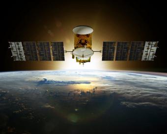 הלוויינים בחלל חשופים לסכנות כגון קרינה, שטף אטומי חמצן ועוד. ORMADD יאפשר ניטור גורמי סיכון בזמן אמת |אילוסטרציה: NOAA
