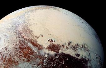 """המישור בפלוטו, ספוטניק, שזכה לכינוי """"הלב של פלוטו"""" בשל צורתו מרחוק   קרדיט: NASA, Johns Hopkins U./APL, Southwest Research Inst."""