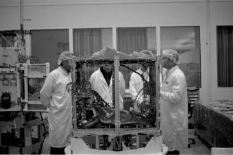 القمر الصناعي فينوس في الصناعات الجوية الاسرائيلية | تصوير: تال روزنكرنتش، قسم التصوير