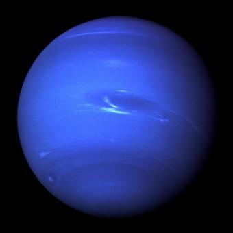 נפטון כפי שצולם על ידי וויאג'ר 2 ב-1989