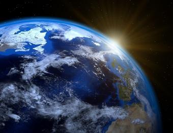 כדור הארץ והשמש