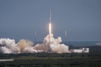 שיגור של טיל פלקון 9 | SpaceX