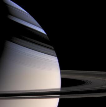 שבתאי שומט לסתות: תמונות פרידה מהחללית קאסיני
