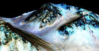 הצילום שפורסם ברחבי העולם, המראה זרמים מדרוניים במאדים | צילום: NASA/JPL-Caltech/Univ. of Arizona