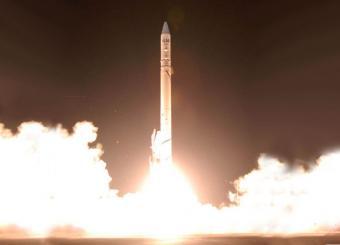 משגר הלוויינים שביט נושא את הלוויין אופק לחלל | צילום: IAI