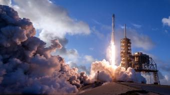 משגר פאלקון 9 ממריא מאתר השיגור בפלורידה | צילום: SpaceX